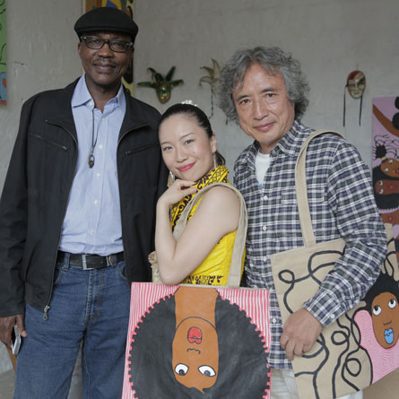 Tabu Osusa, Anyango and Kazuo Munakata spotting Soi bags